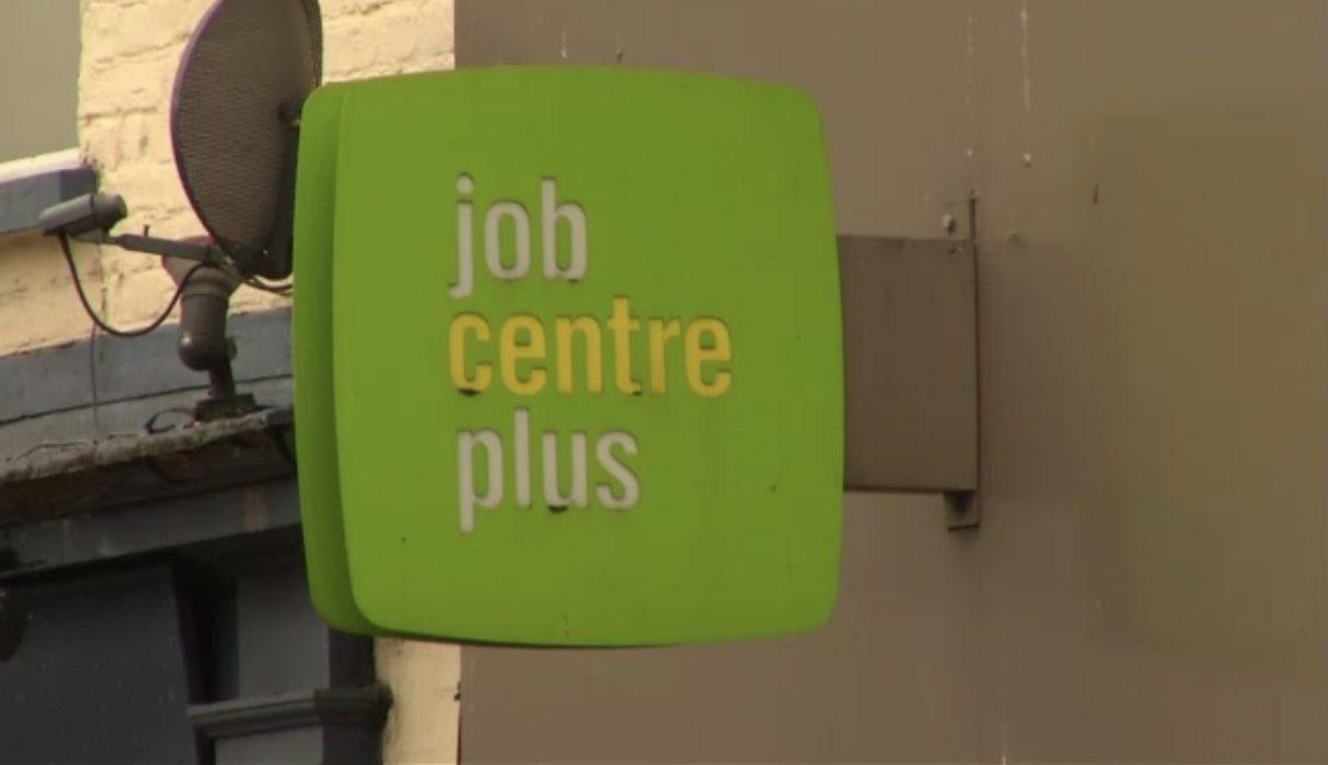 Desemprego britânico em níveis de 1975