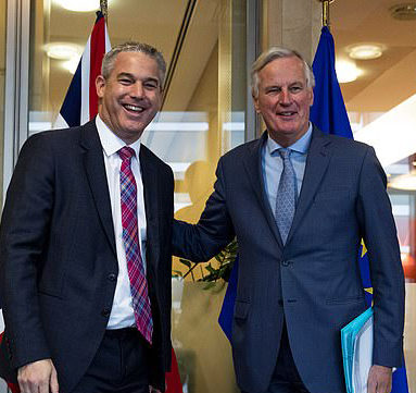 """Brexit: UE aceita """"intensificar discussões"""" com o Reino Unido"""