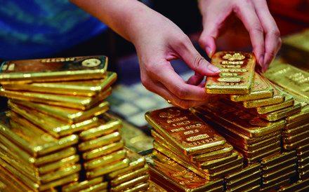 Ouro: QUEDA APÓSMÁXIMOS HISTÓRICOS