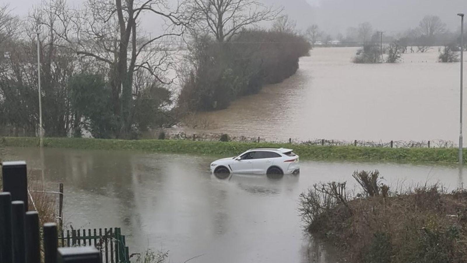 Clima no Reino Unido – Tempestade Christoph: Sete avisos meteorológicos de 'perigo à vida' em vigor no Noroeste e país de Gales