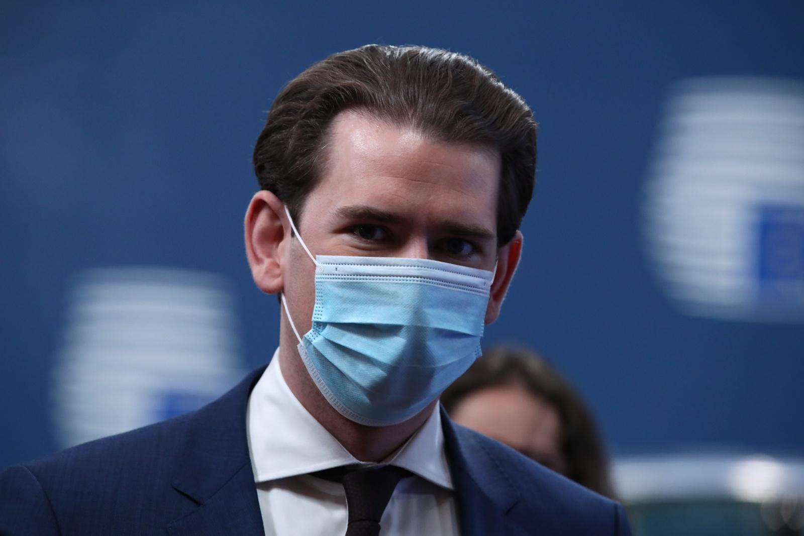 Covid-19: Áustria confirma que vai receber 10 doentes portugueses