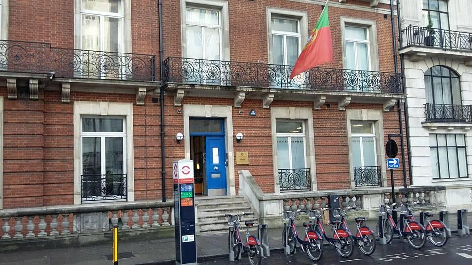 Brexit: Consulado de Londres aberto aos sábados para responder a aumento da procura
